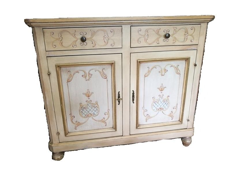 Credenza avorio decapato con decorazioni stile veneziano for Mobili stile veneziano