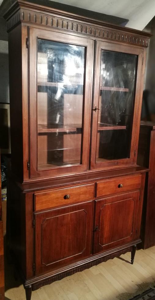Antiquariato mobili antichi vetrina libreria noce stile for Mobili 800 inglese